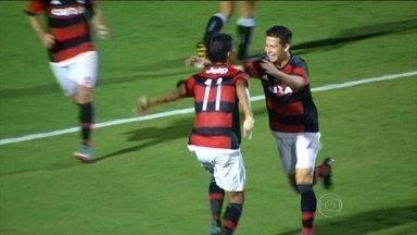 Flamengo vence Brasília e avança de fase na Copa SP de futebol júnior - Rubro-Negro ainda perdeu um pênalti no primeiro tempo.