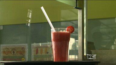 Saiba se é a fruta ou a polpa para melhor preparar o suco - Dicas foram dadas durante matéria na primeira edição do JMTV.