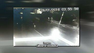 Imagens podem ajudar a polícia a desvendar o 1º homicídio do ano em Maringá - A moto que seria usada na fuga não funcionou
