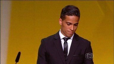 Goiano Wendell Lira vence eleição e fatura o Prêmio Puskás - Atacante de 27 anos supera Messi e Florenzi em votação no site da Fifa.