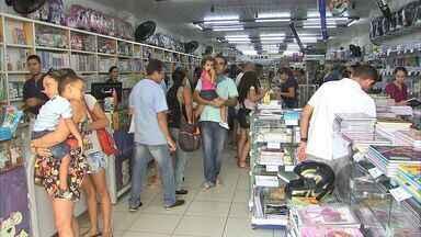 Preço do material escolar varia até 130% entre as livrarias de Fortaleza - Confira os preços mais baratos e mais caros, de acordo com pesquisa do Procon.
