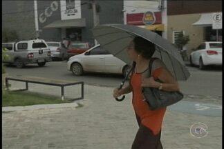 Chuva dos últimos dias em Petrolina causou transtornos,mas também trouxe alegria - Muita gente esperava por essa chuva. No comércio tem gente lucrando com o período chuvoso