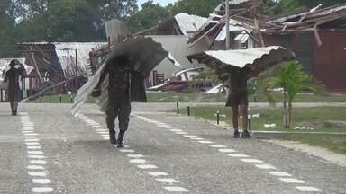 Base militar destruída por ventania começa a ser recuperada no norte do AM - Fronteira do exército em Maturacá sofreu danos com temporal.