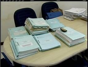 Polícia Federal investiga fraudes em licitações na Câmara de Vereadores de Macaé, no RJ - Operação recolheu documentos de 7 processos licitatórios.