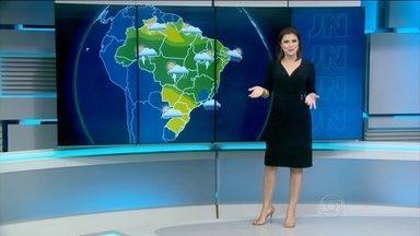 Previsão é de mais chuva para cidades do Rio e Minas Gerais neste domingo (17) - Chuva forte atinge áreas entre centro Minas Gerais e oeste do Espírito Santo e entre Goiás e a região de Cuiabá.