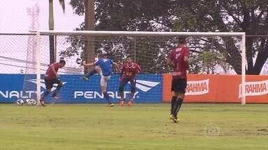 Villa Nova vence o Cruzeiro por 2 a 1 em jogo-treino na Toca da Raposa II - Partida aconteceu debaixo de chuva no centro de treinamento celeste