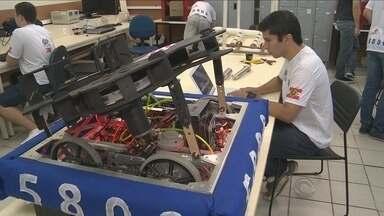 Alunos do IFSC montam equipe para competição mundial de robótica - Alunos do IFSC montam equipe para competição mundial de robótica