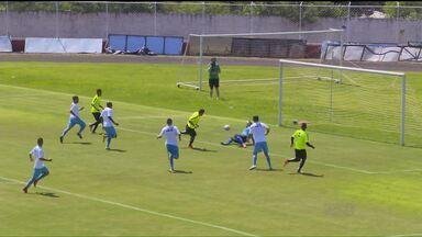 Dia de teste para Coritiba e Foz do Iguaçu - Equipes fizeram o primeiro jogo-treino da temporada. Utilizando todos os jogadores que estão na pré-temporada, o Coxa ficou no 1x1, com boa participação de Zé Rafael