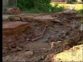 Preocupação com período de chuvas aumenta em Junqueirópolis - Moradores já reclamaram várias vezes da infraestrutura de bairro.