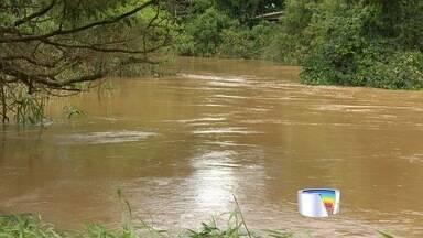 Mirante do Buquirinha em São José está em estado de atenção por conta da chuva - Nível do rio chegou a 3,5 metros acima do normal.