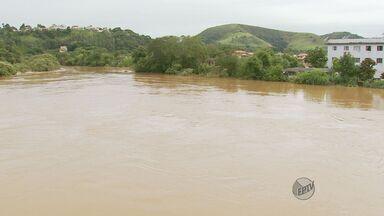 Moradores acusam Defesa Civil de não avisar sobre risco de enchente em São Lourenço (MG) - Moradores acusam Defesa Civil de não avisar sobre risco de enchente em São Lourenço (MG)