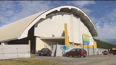 Reforma do ginásio de Matinhos está quase pronta - A obra se arrasta há muito tempo