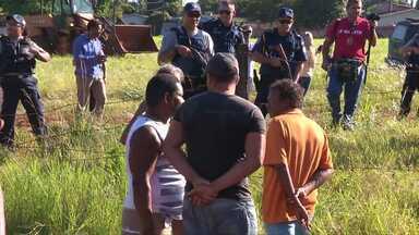 Famílias invadem terreno público para cobrar agilidade no programa habitacional - As áreas invadidas estão localizadas nos bairros Três Lagoas e Morumbi.