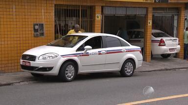 Taxistas começam a cobrar mais caro pela tarifa - A bandeirada passou de R$4,35 para R$4,81.