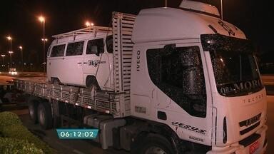 Caminhoneiro é baleado em tentativa de assalto em São Paulo - O caminhoneiro foi baleado em uma tentativa de assalto na Marginal Tietê, em São Paulo. De acordo com a Polícia Militar, o crime ocorreu entre as pontes da Vila Guilherme e Cruzeiro do Sul.