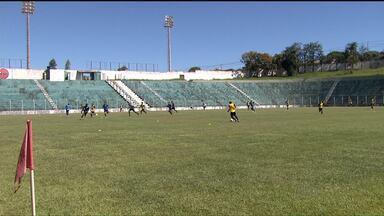 Londrina e PSTC se preparam para estreia no Campeonato Paranaense - Tubarão se ambienta ao Estádio dos Pássaros enquanto debutante na 1ª Divisão recebe visita ilustre