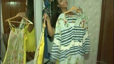 Tá na moda: Consultora ensina como montar muitos looks utilizando poucas peças chaves - Ela explica a tendência do armário cápsula