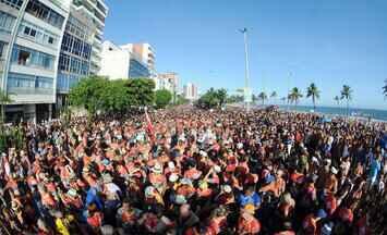 Carnaval antecipado nas ruas - Os blocos ficaram lotados desde a manhã