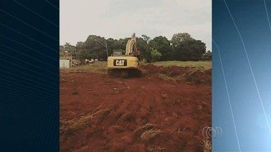 Prefeitura inicia reconstrução do muro de contenção do Córrego Cascavel, em Goiânia - Enxurrada das últimas chuvas derrubou o dique.