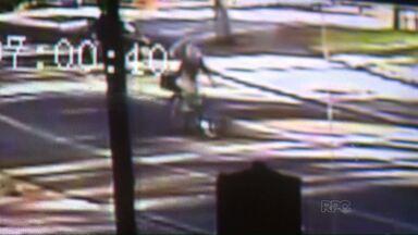 Câmeras flagram ciclista sendo atropelado - Segundo a polícia, motorista estaria bêbado, com a carteira vencida e teria tentado fugir