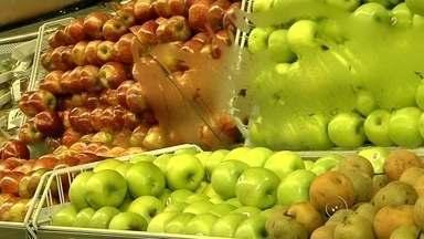 Alta no preço de alimentos assusta donas de casa - As donas de casa já perceberam o aumento de muitos produtos no supermercado, principalmente entre os alimentos, que subiu além da média.