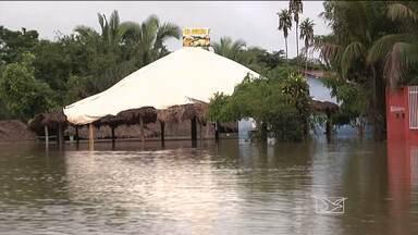 Forte chuva causa estragos em Balsas, MA - Os rios transbordaram e muitos moradores tiveram as casas invadidas pela enxurrada.