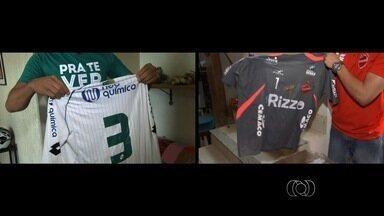 Torcedores fanáticos colecionam camisas de Vila Nova e Goiás - Mateus e Eduardo têm inúmeras camisas de seus clubes e esperam ansiosos pelo Campeonato Goiano.