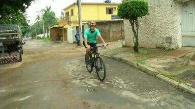 Cresce número de ciclistas em Três Rios, RJ - Cada vez mais gente coloca as pedaladas na rotina; em todo país, quantidade de bicicletas chega a 70 milhões.