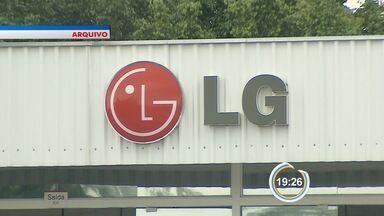 TRT determina pagamento dos salários aos trabalhadores LG com demissões suspensas - Fábrica tem cinco dias para fazer os pagamentos e pode recorrer da decisão.