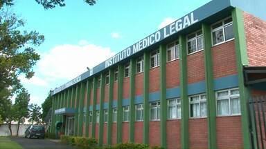 Dois presos morrem na cadeia de Guarapuava - Os dois presos eram primos. O Instituto Médico Legal deve investigar as mortes.