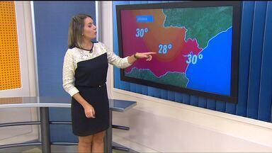 Sexta-feira deve ter sol e pancadas de chuva na capital - Máxima pode chegar aos 28 graus, enquanto nas praias faz 30°