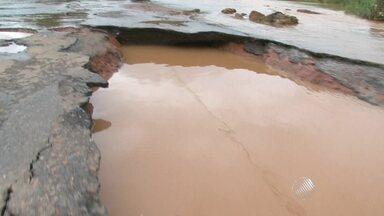 Chuva continua causando problemas em várias partes da Bahia - Veja a previsão do tempo para todo o estado.