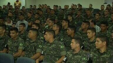 Exército reforça combate ao Aedes aegypti no Ceará com 200 militares - Militares recebem treinamento em Fortaleza.