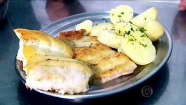 'Pescado' faz parte do cardápio gastronômico de SP - O SPTV mostra que não é apenas o sabor do prato que conta, mas o jeito bem particular que os botecos têm de servir o peixe. A reportagem faz parte da série sobre os PFs (Pratos Feitos) mais tradicionais da cidade.