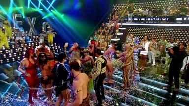 Foliões dançam no baile do 'Amor & Sexo' - Veja festa!