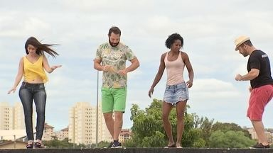 Carnaval é Samba! - Há quem diga que todo brasileiro já nasce com o samba no pé. Será mesmo? Mateus Luz foi tirar a prova!