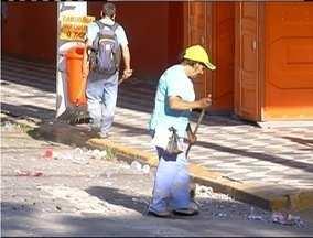 Sábado foi de organização para passagem dos blocos de enredos em Nova Fribugo, no RJ - Programação segue até o domingo.