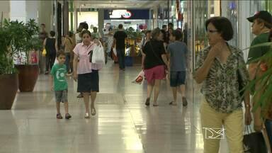 Em São Luís, aumentam as vendas durante o carnaval - Em São Luís, aumentam as vendas durante o carnaval.