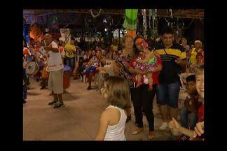 Centur realiza Baile de Carnaval, em Belém - Brincantes aproveitaram programação neste sábado, 6.