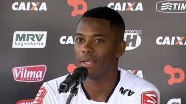 """Robinho é apresentado na Cidade do Galo, fala sobre o novo clube e """"brinca"""" com Donizete - Robinho é apresentado na Cidade do Galo, fala sobre o novo clube e """"brinca"""" com Donizete"""