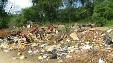 RJ Móvel abre calendário em Nova Iguaçu - Moradores relatam insegurança com a falta de iluminação e também preocupação com o acúmulo de lixo e de possíveis focos de dengue na região.