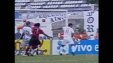 Relembre como foi o último clássico entre Vasco e Flamengo em São Januário em 2005 - Martín Silva fala sobre a importância de uma vitória sobre o Flamengo na casa vascaína.