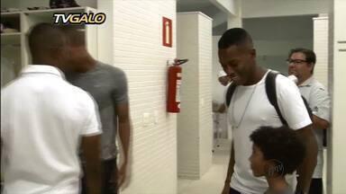 Diretoria do Atlético-MG apresenta o atacante Robinho - Diretoria do Atlético-MG apresenta o atacante Robinho