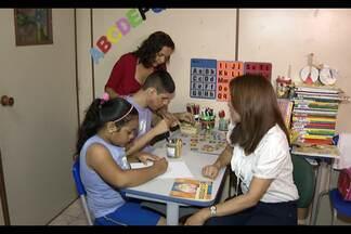Instituição trabalha há 40 anos ajudando na reabilitação de deficientes - Instituição auxilia na reabilitação de jovens e crianças com deficiências mentais e motoras.