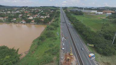 Colocação de vigas gera interdição em trecho da Rodovia Anhanguera, em Vinhedo - Operação ocorre no km 75,6 da pista sentido capital-interior, das 6h às 10h; veja desvios.