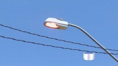 Moradores reclamam de falta de iluminação em vias de São José e Jacareí - Falta de manutenção é uma das principais reclamações dos moradores.