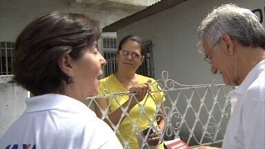 Ministra participa de mutirão contra o Aedes no Recife - Tereza Campello visitou residências e ouviu queixas da população