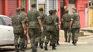 Quem também participa do mutirão contra o Aedes aegypti é a equipe do Exército Brasileiro - O Exército vai passar pelas casas de São Luís combatendo possíveis focos do mosquito.