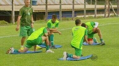 Caldense volta a treinar após terceira derrota seguida no Campeonato Mineiro - Caldense volta a treinar após terceira derrota seguida no Campeonato Mineiro