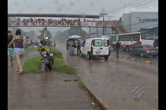 Ambulância atropela e mata idosa na pista expressa do BRT, em Belém - Idosa foi atropelada na avenida Almirante Barroso, perto da Tavares Bastos. Vítima de 84 anos morreu no local.